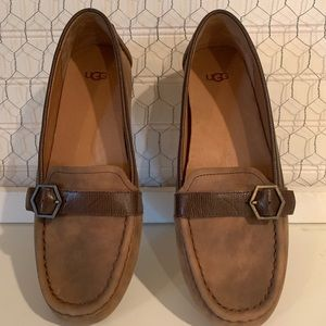 Ugg Australia Gwynith Leather Slip Ons New